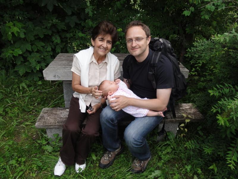 Laura Maria, Ana Dilia und Mathias im Wallis